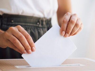 Zdjęcie: https://www.freepik.com/free-photo/woman-placing-ballot-box_5316009.htm?fbclid=IwAR1VBidQJcZ5nAFyktBLEcsPZiMEkoOBkjJgc--xq8ZfUS2ZgRINFqouc2k#page=1&query=Elections&position=6