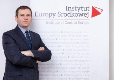 dr hab. Tomasz Stępniewski