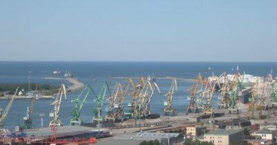 [Zdjęcie: port w Kłajpedzie; Wikipedia]