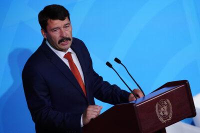 [Zdjęcie: prezydent Węgier János Áder podczas szczytu klimatycznego ONZ w Nowym Jorku w 2019 r., Carlo Allegri/Reuters/Forum]